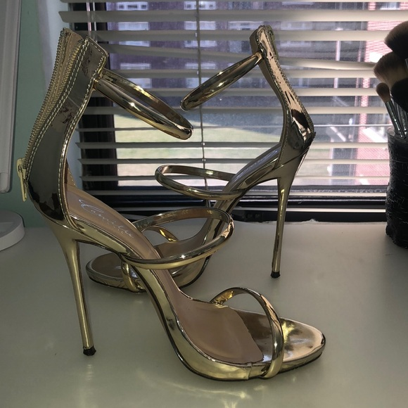 426275ae4d4 Gold Strappy Heels
